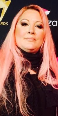Loana, la jolie pink lady des Public Buzz Awards !