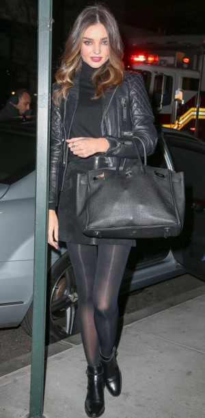 Miranda Kerr : rock en total look noir !