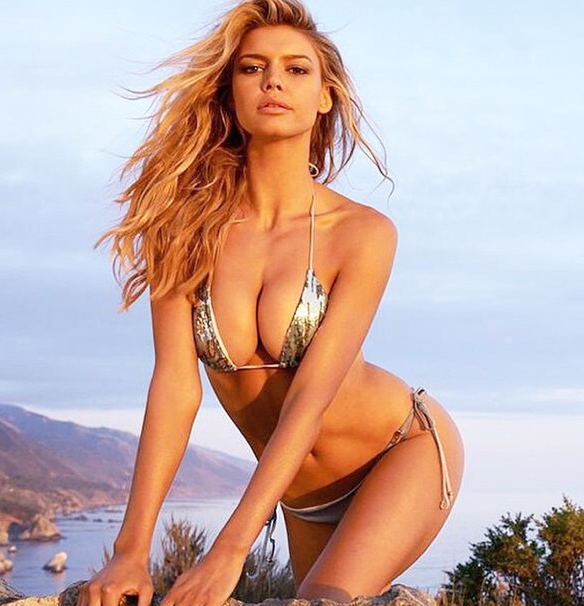 Kelly Rohrbach élue Miss bikini du concours Swimsuit 2015