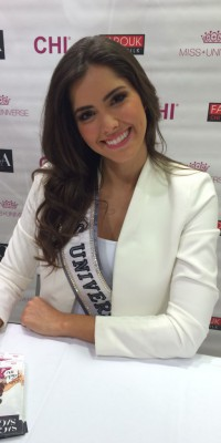 Paulina Vega (Miss Univers) : make-up glam' et crinière de rêve... On copie tout !