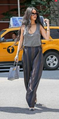 Rihanna : ultra chic dans les rues de New York !
