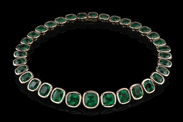 Un collier de la collection Style of Jolie !