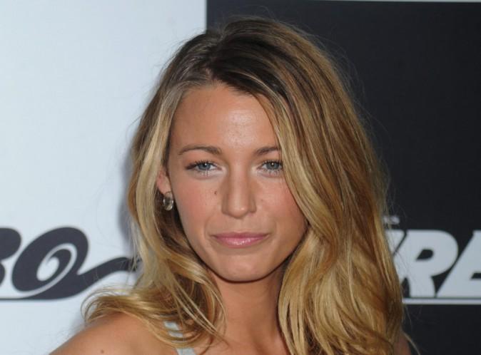 """Beauté : Blake Lively : """"Mes cheveux m'aident à gérer ma timidité !"""""""