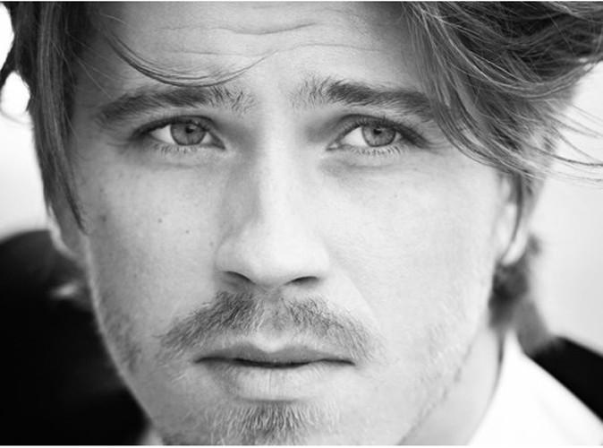 Beauté : Garrett Hedlund est le nouveau visage du parfum de Saint Laurent, La Nuit de l'Homme !