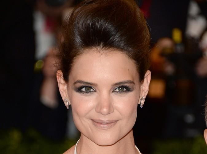 """Beauté : Katie Holmes : """"pour avoir l'air parfaite sur les tapis rouges, j'ai besoin de l'aide de tout un village!"""""""