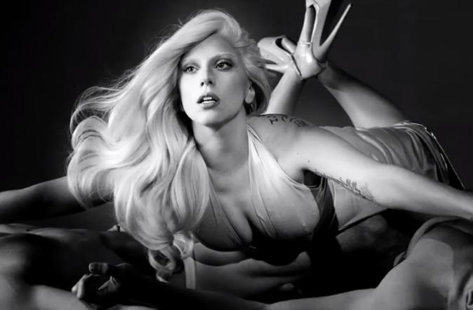 """Beauté : Lady Gaga : une vidéo très spéciale pour son nouveau parfum """"Eau de Gaga"""""""