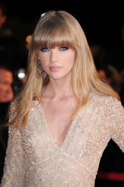 Le lisse à franges de Taylor Swift le 26 janvier 2013 à Cannes