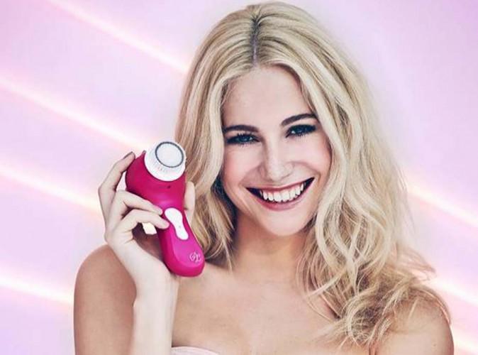 Beauté : Pixie Lott : elle dévoile sa révolutionnaire machine Magnitone, pour une peau sublime !