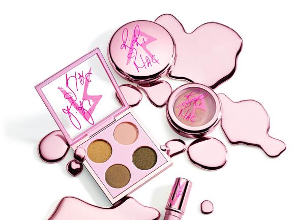 Beauté : Rihanna présente sa nouvelle collection de cosmétiques pour M.A.C !