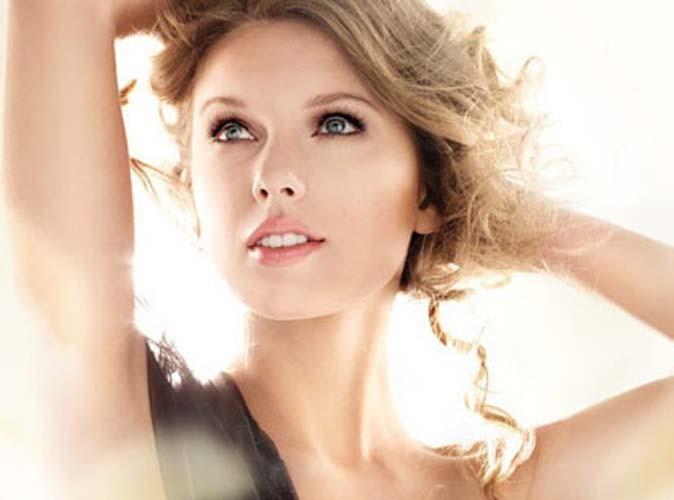 Beauté : Taylor Swift beaucoup trop retouchée !