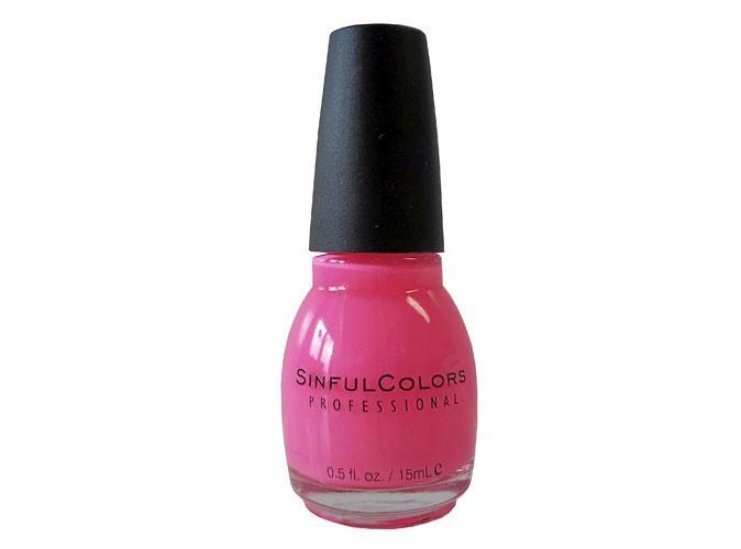 Beauté : un vernis rose SinfulColors pour des ongles de Barbie girl !