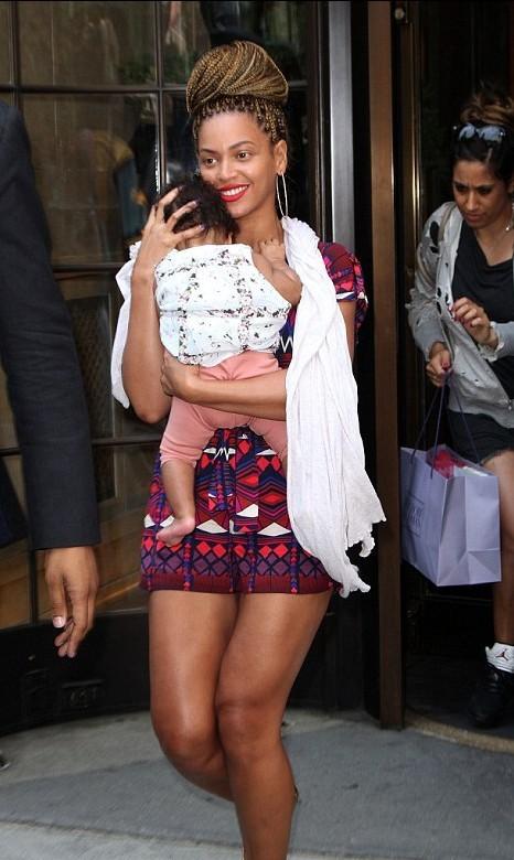 Une des rares apparitions de Beyoncé avec sa petite Blue Ivy