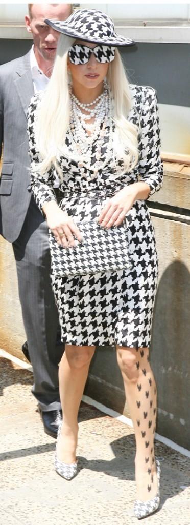 Lady Gaga poule de luxe !