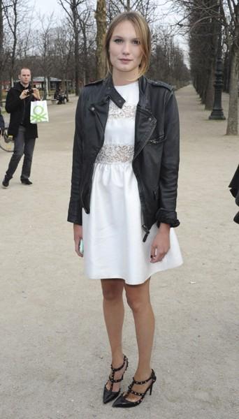 Ana Girardot chez Valentino - Fashion week automne-hiver 2013/14