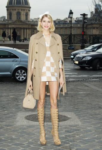 Elena Perminova chez Louis Vuitton - Fashion week automne-hiver 2013/14