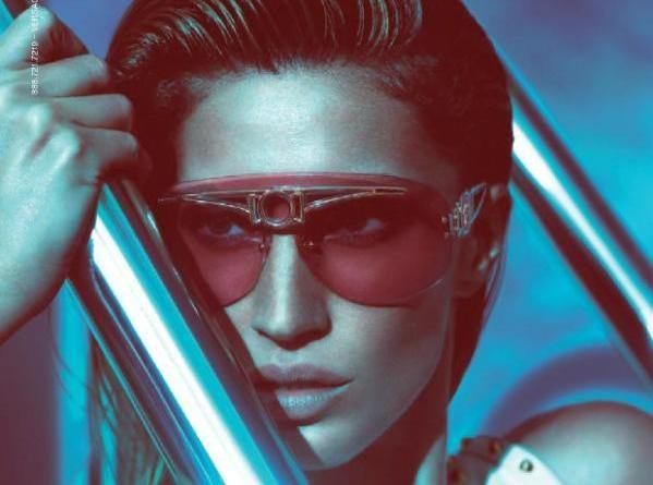 Gisele Bündchen : une étoile sortie des profondeurs de la mer pour une collection Versace Eyewear du tonnerre !