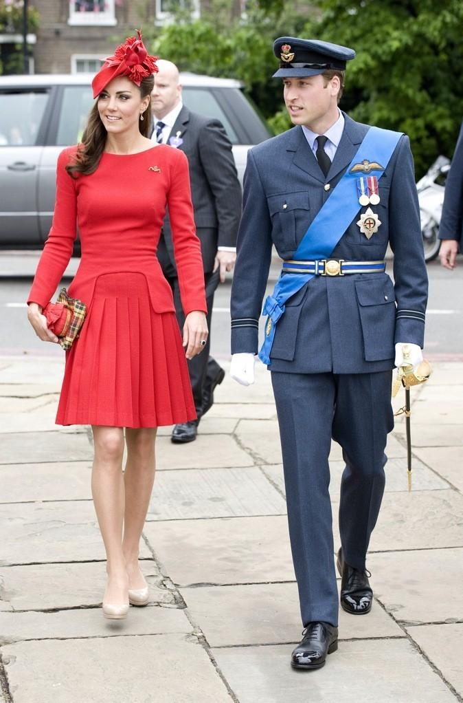 Associés à une robe rouge pour un rendu détonant !