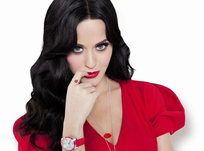 Katy Perry toujours aussi divine pour les bijoux Thomas Sabo !