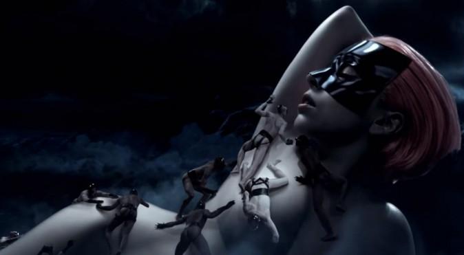 "Lady Gaga dans la vidéo choc de ""Fame"""