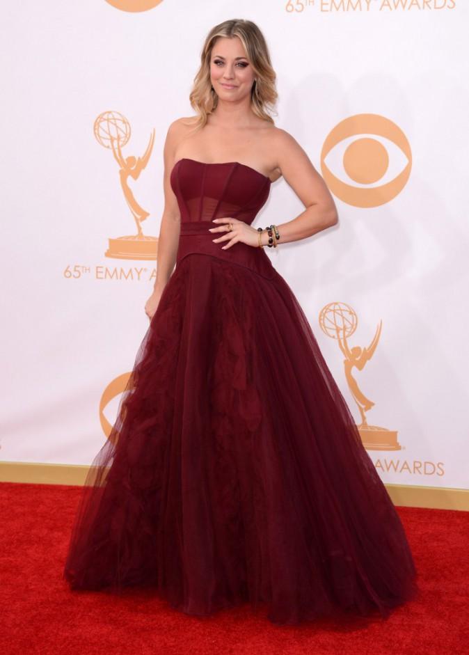 Plus belle que jamais dans sa robe rouge (2013)