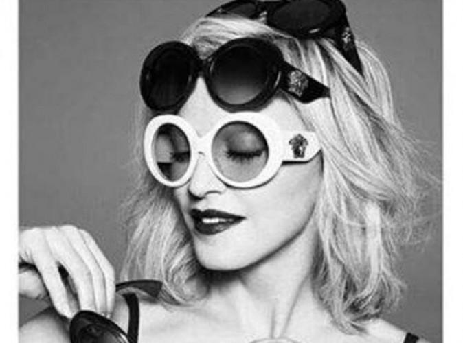 Madonna pose pour la nouvelle collection Eyewear 2015 de Versace !