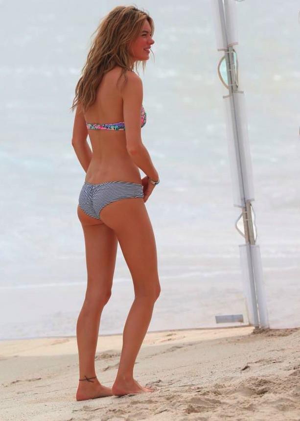 Camille Rowe, la frenchy est égérie maillot de bain pour Victoria's Secret !