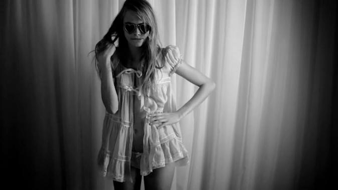 Cara Delevingne pour LOVE magazine