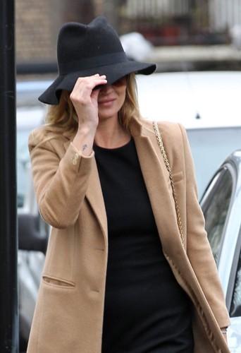 Kate va-t-elle ajouter un chapeau à sa collection lors de sa séance shopping.