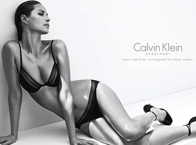 Mode : Christy Turlington : en sublime égérie Calvin Klein, la top de 44 ans n'a pas pris une ride !