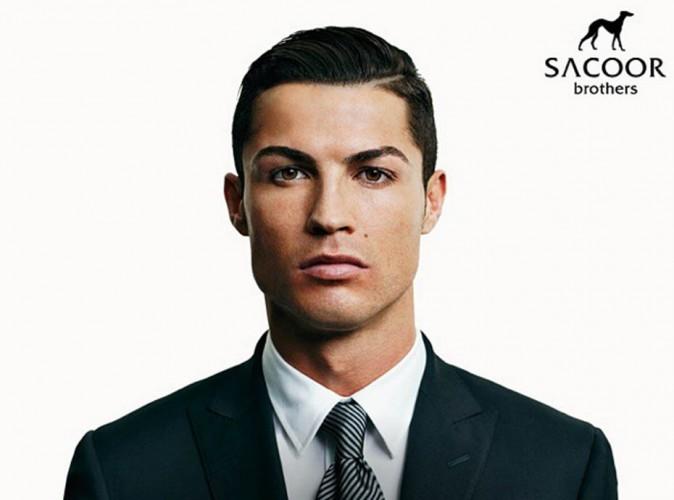 Mode : Cristiano Ronaldo : terriblement sexy dans un smoking pour Sacoor Brothers !