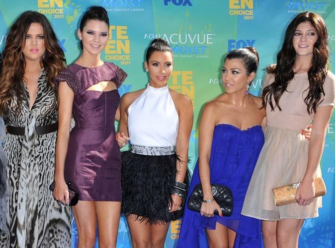 Mode : des indices sur les tenues des demoiselles d'honneur de Kim Kardashian !