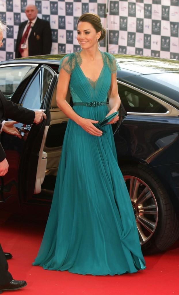 Kate Middleton, élue célébrité la mieux habillée par Vanity Fair !