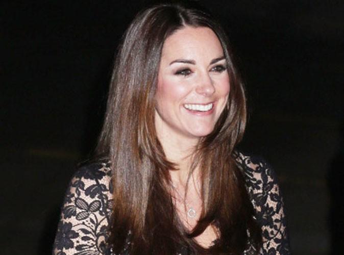 Mode : Kate Middleton : sa mère choisit ses vêtements !