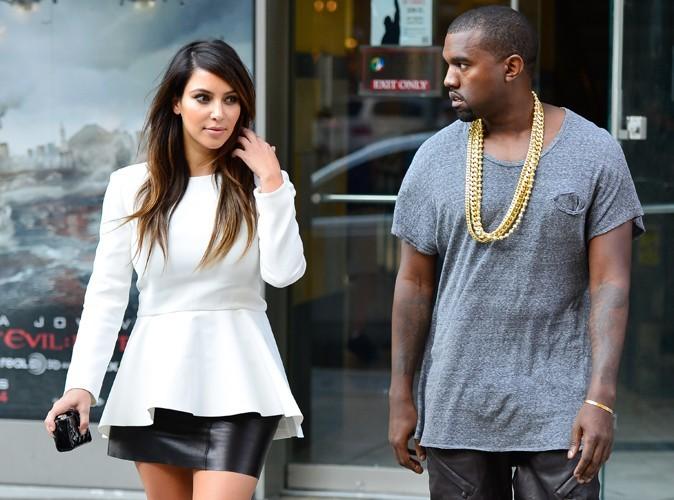 Mode : Kim Kardashian enceinte doit dire adieu aux mini-jupes !