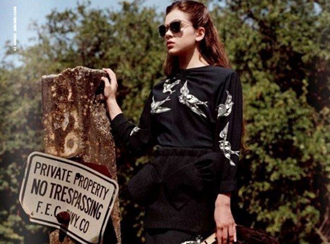 Mode : la première image de la campagne Miu Miu avec Hailee Steinfeld !