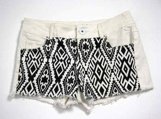 Short en jean stretch navajo, Sunshine, 25 €