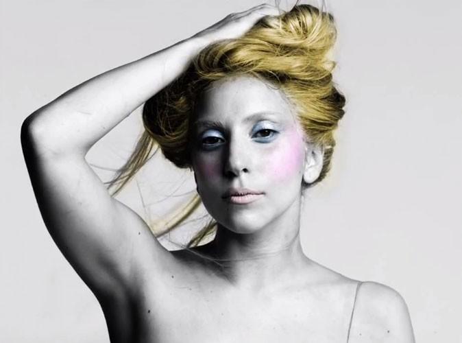 Mode : Lady Gaga s'inspire du style de Cher !
