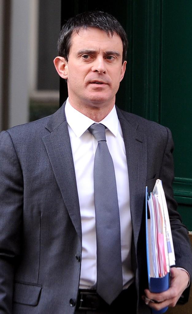 La cravate grise lors de la passation de pouvoir
