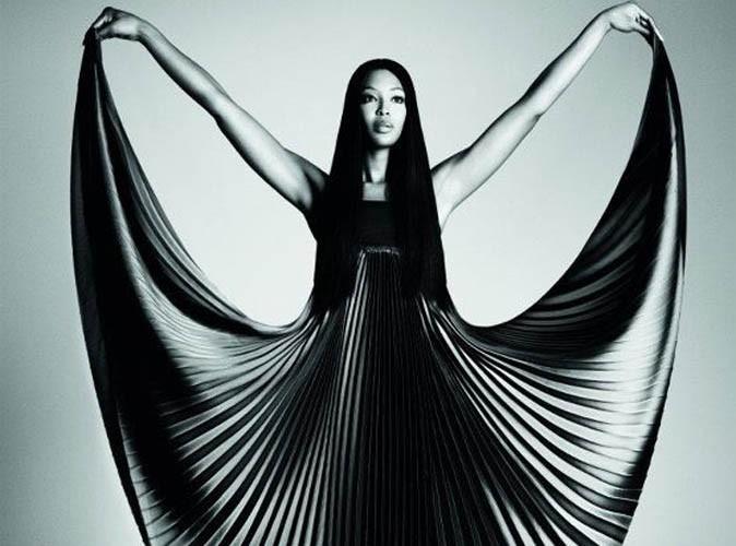 Mode : Naomi Campbell se fait toute douce pour Pinko !