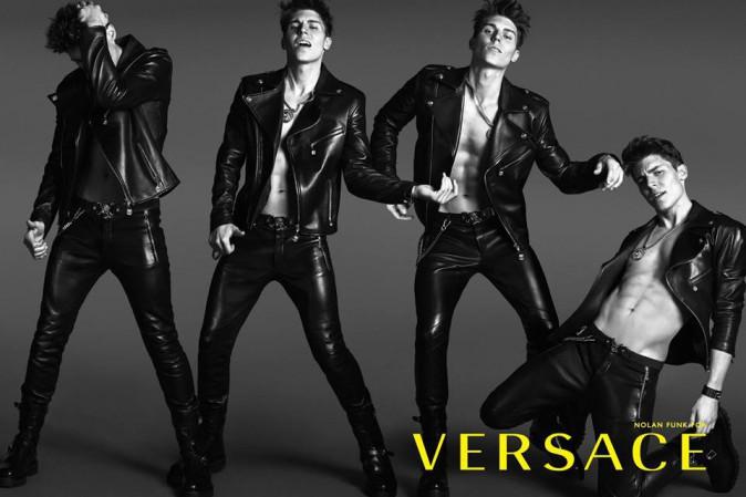Mode : Nolan Gerard Funk : la star de Glee fait tomber le bas pour Versace !