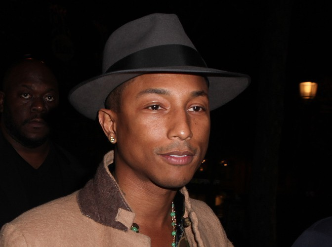 Mode : Pharrell Williams lance une collection de jeans recyclés !