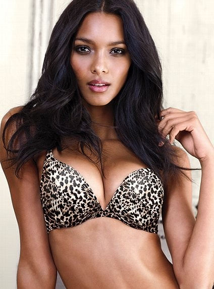 Gracie Carvalho pour la collection Very Sexy de Victoria's Secret