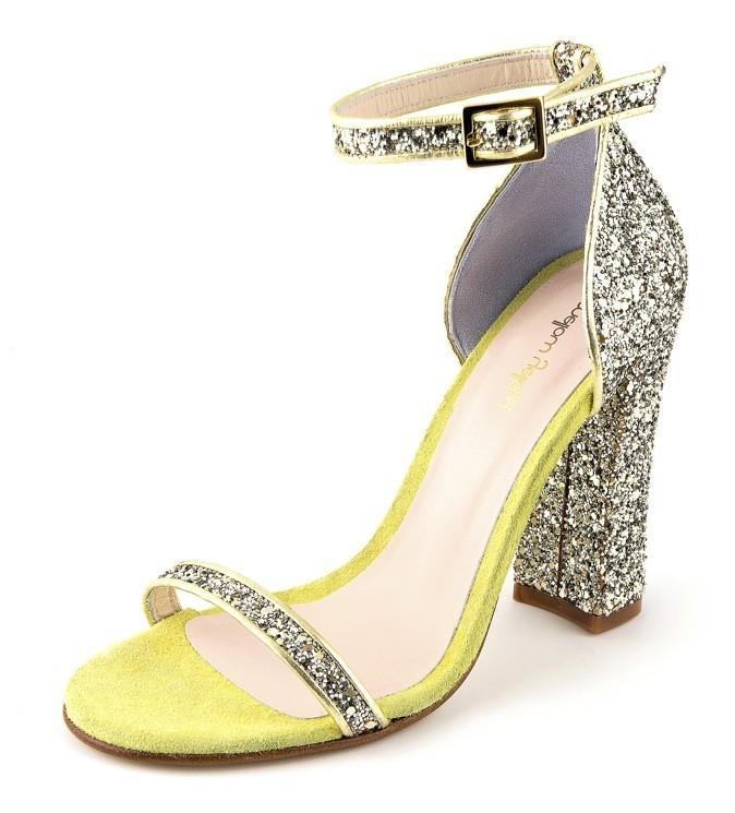 Sandales à paillettes, Mellow Yellow. 160 €