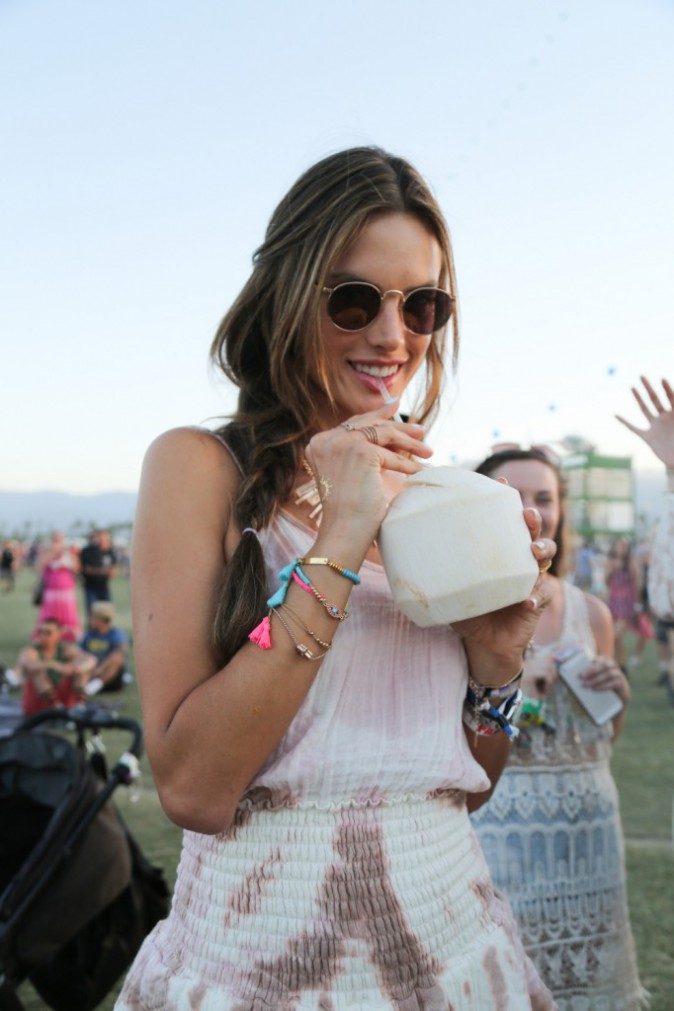 Alessandra Ambrosio au festival Coachella
