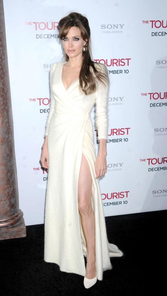 Angelina Jolie toute de blanc vêtue !