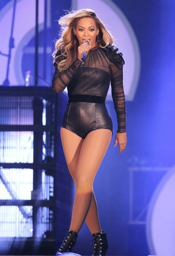 """Beyoncé Knowles : """"J'adore ma musique, j'adore être sur scène et j'aime mes fans plus que tout. """""""