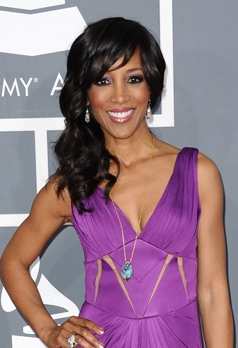 Shaun Robinson glamour avec son side hair.