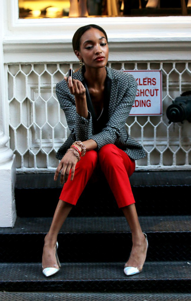 Beauté : Jourdan Dunn surprise en plein shooting pour Maybelline !
