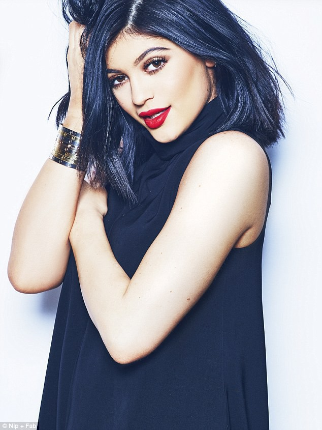 Beauté : Kylie Jenner : Fidèle à elle-même pour Nip + Fab !