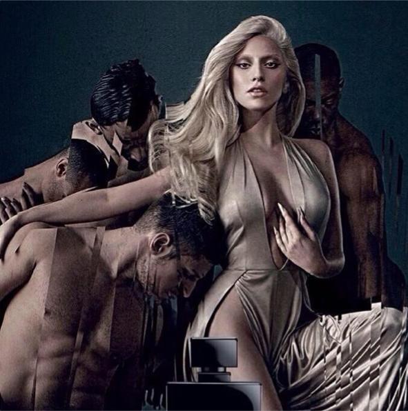 """Lady Gaga pour son parfum """"Eau de Gaga"""""""